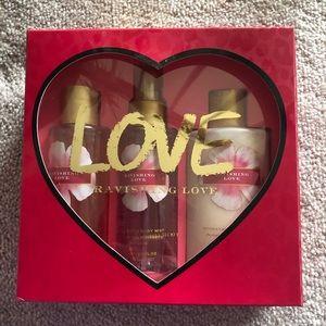 New Victoria's Secret rare ravishing love set